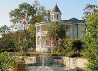 Russ House